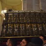 Scrigno portato dai devoti dentro la cattedrale durante la festa di Sant'Agata a Catania