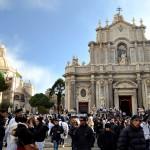 La piazza Duomo alla fine della festa di Sant'Agata la mattina del giorno 6 febbraio